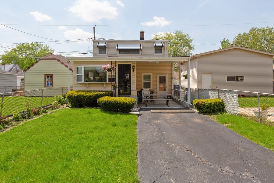 Real Estate Photography - 4548 N. Newland, Harwood Heights, IL, 60706 - Front View