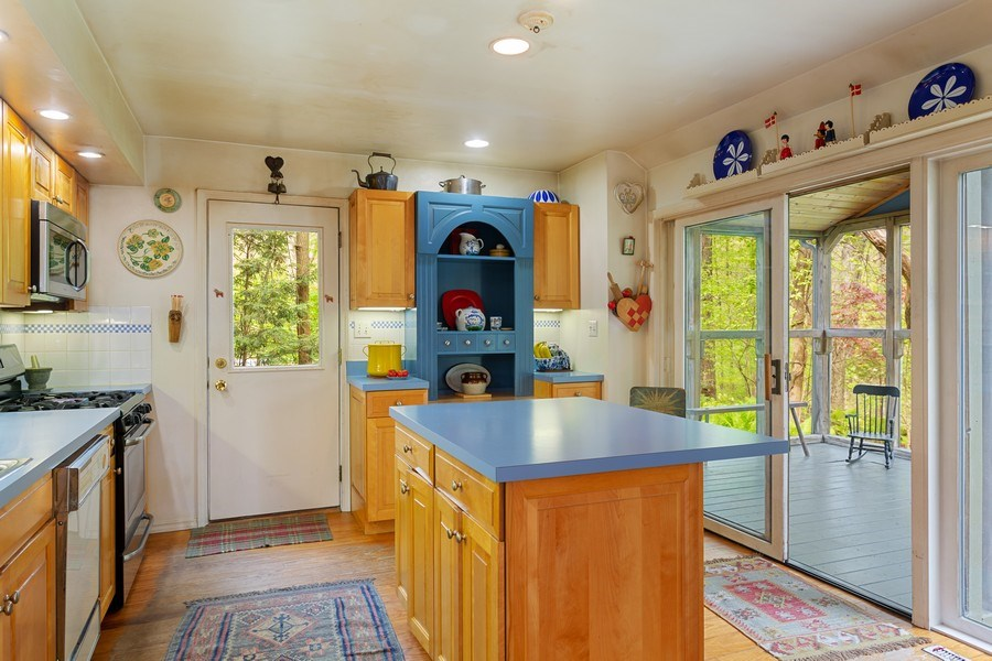 Real Estate Photography - 14385 Pinewood Dr, New Buffalo, MI, 49117 - Kitchen