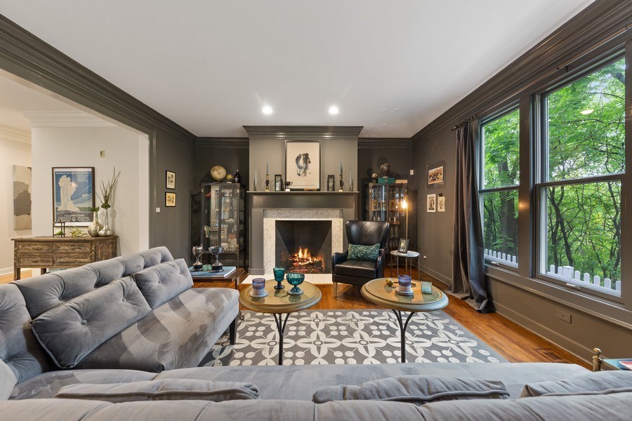 Real Estate Photography - 121 N Park Ave, Hinsdale, IL, 60521 - Living Room