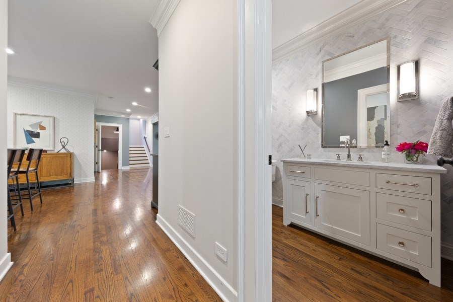 Real Estate Photography - 121 N Park Ave, Hinsdale, IL, 60521 - Powder Room