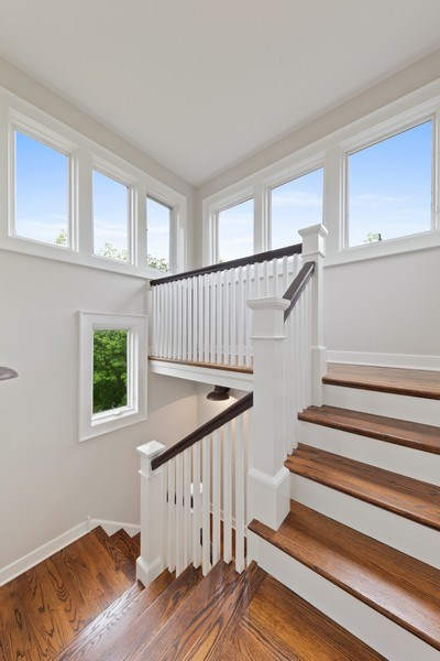Real Estate Photography - 121 N Park Ave, Hinsdale, IL, 60521 -