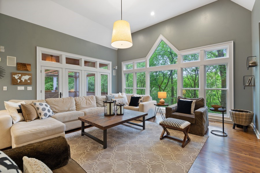 Real Estate Photography - 121 N Park Ave, Hinsdale, IL, 60521 - Family Room