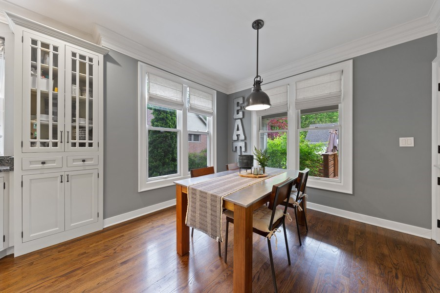 Real Estate Photography - 121 N Park Ave, Hinsdale, IL, 60521 - Breakfast Area
