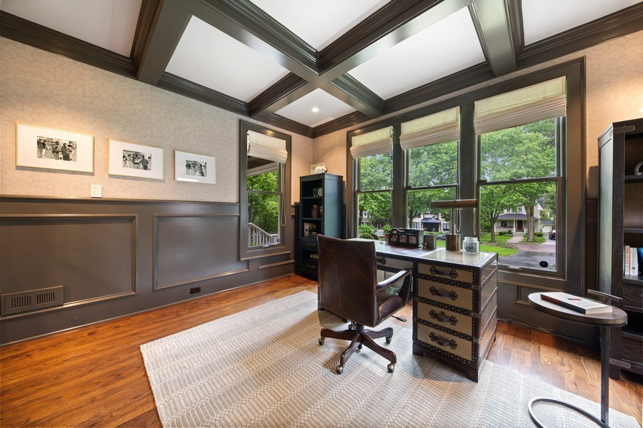 Real Estate Photography - 121 N Park Ave, Hinsdale, IL, 60521 - Office