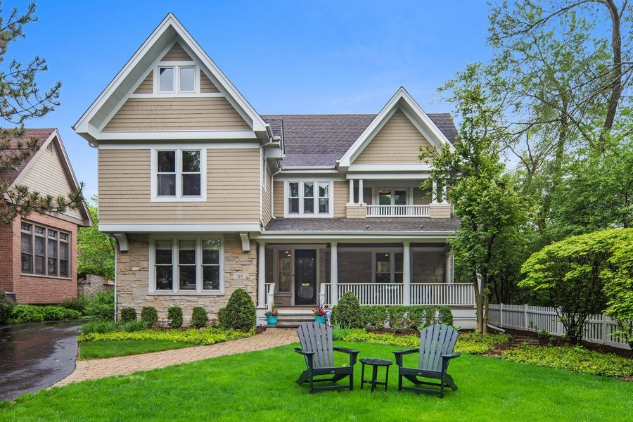 Real Estate Photography - 121 N Park Ave, Hinsdale, IL, 60521 - Front View