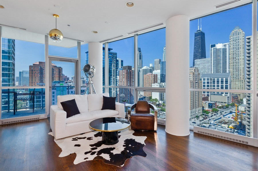 Real Estate Photography - 110 W. Superior St., #1804, Chicago, IL, 60654 - Living Room