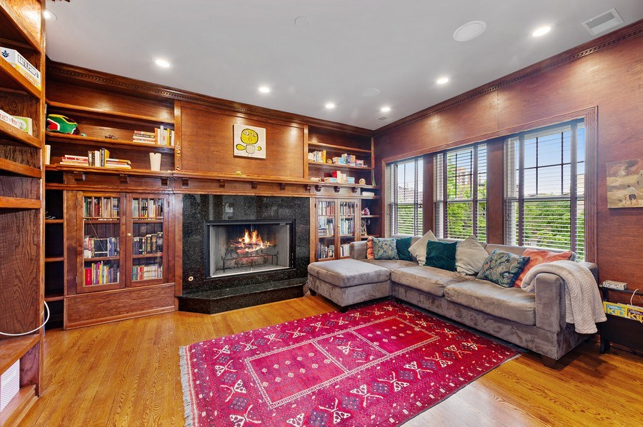 Real Estate Photography - 455 West Oakdale, Unit 3, Chicago, IL, 60657 - Family Room