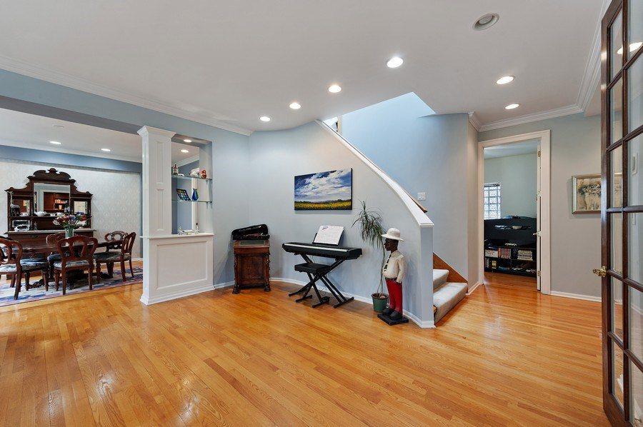 Real Estate Photography - 455 West Oakdale, Unit 3, Chicago, IL, 60657 - Staircase
