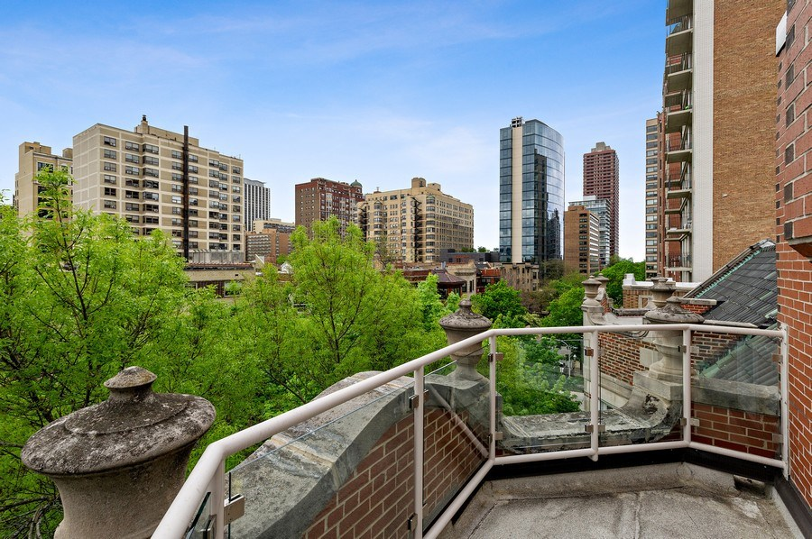 Real Estate Photography - 455 West Oakdale, Unit 3, Chicago, IL, 60657 - Balcony