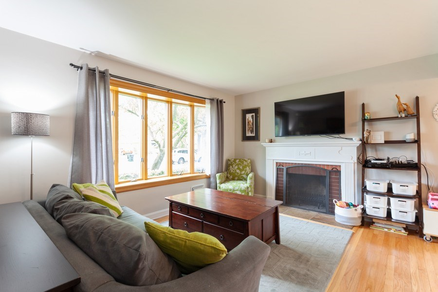 Real Estate Photography - 718 S. Chestnut, Arlington Heights, IL, 60005 - Living Room