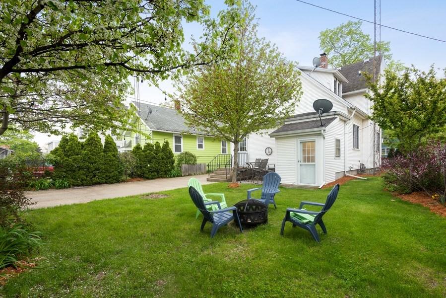 Real Estate Photography - 907 Michigan St, St Joseph, MI, 49085 - Rear View