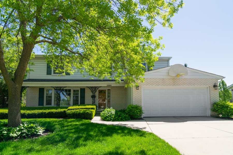 Real Estate Photography - 1739 N. Dover Lane, Arlington Heights, IL, 60004 - Front View