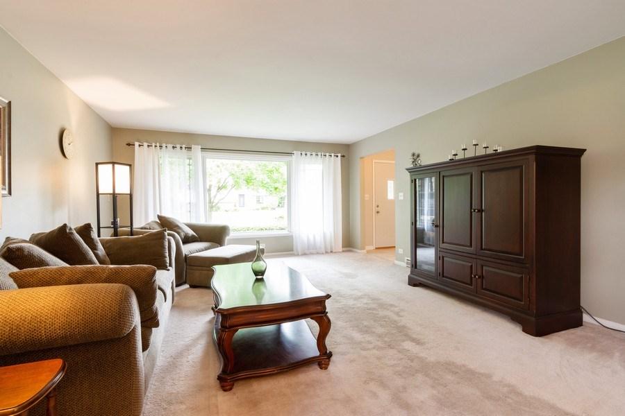 Real Estate Photography - 7 N Kaspar Ave, Arlington Heights, IL, 60005 - Living Room