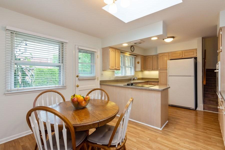 Real Estate Photography - 7 N Kaspar Ave, Arlington Heights, IL, 60005 - Kitchen / Breakfast Room