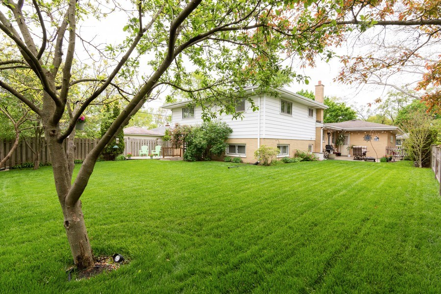 Real Estate Photography - 7 N Kaspar Ave, Arlington Heights, IL, 60005 - Back Yard