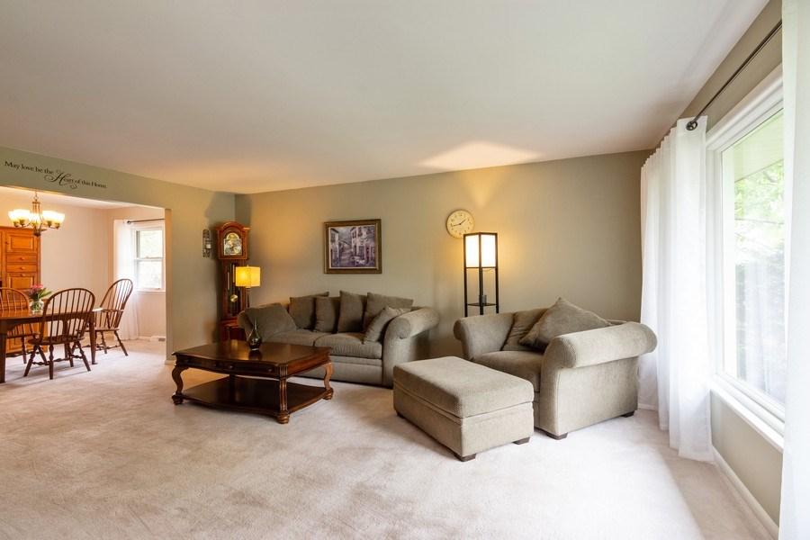 Real Estate Photography - 7 N Kaspar Ave, Arlington Heights, IL, 60005 - Living Room / Dining Room
