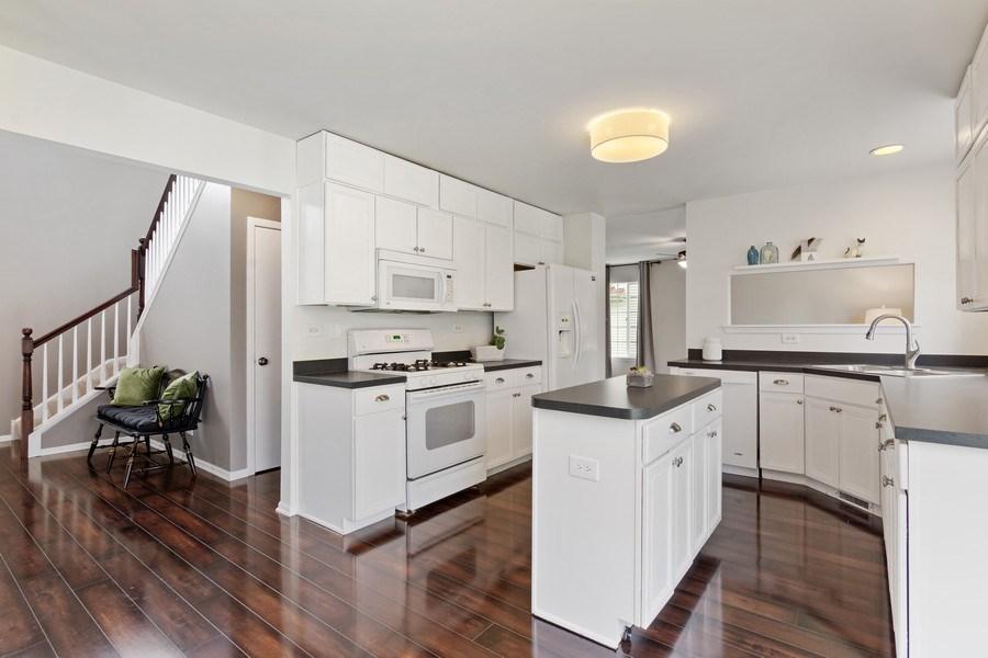 Real Estate Photography - 1374 S Dalton dr, Round Lake, IL, 60073 - Kitchen