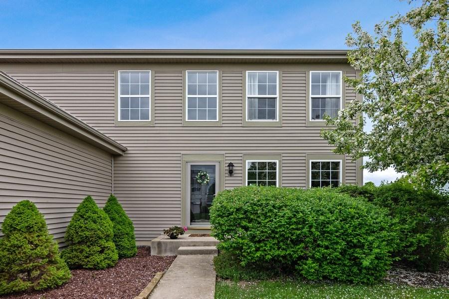 Real Estate Photography - 1374 S Dalton dr, Round Lake, IL, 60073 - Front View