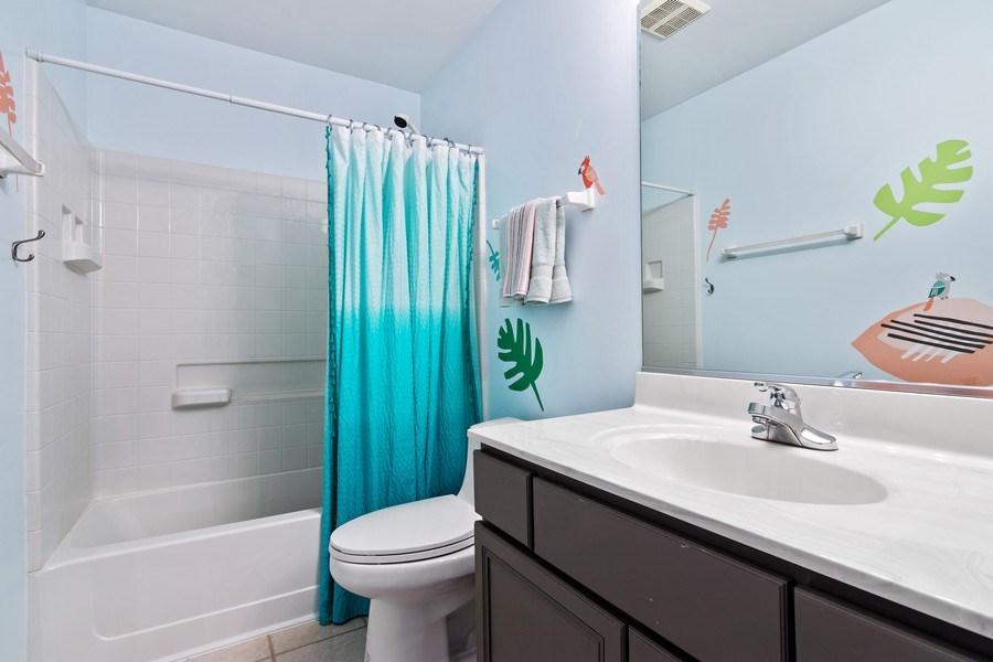 Real Estate Photography - 1374 S Dalton dr, Round Lake, IL, 60073 - 2nd Bathroom