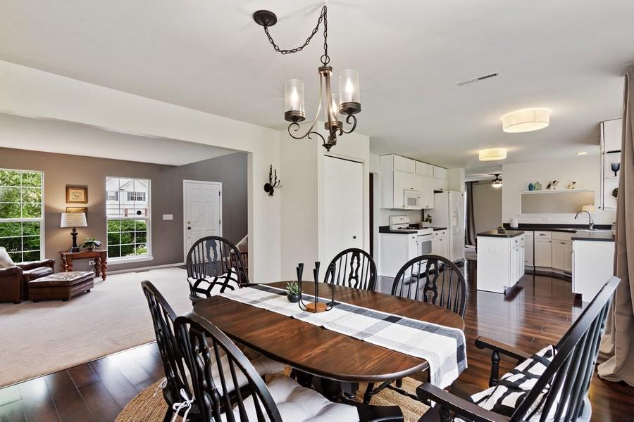Real Estate Photography - 1374 S Dalton dr, Round Lake, IL, 60073 - Kitchen/Dining