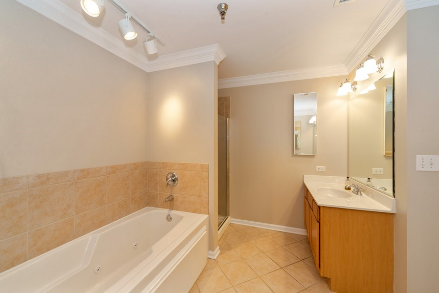 Real Estate Photography - 3232 N Halsted, #1008, Chicago, IL, 60657 - Master Bathroom