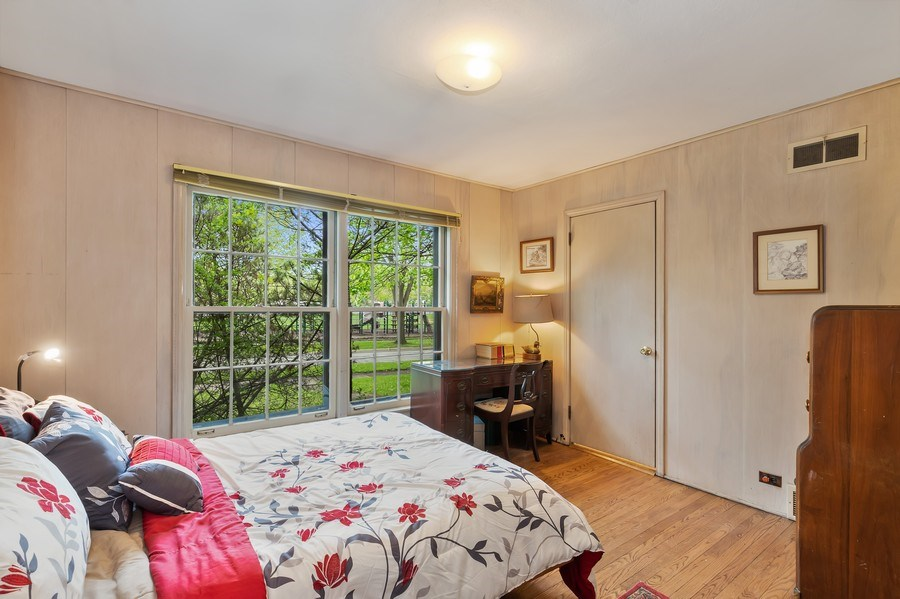 Real Estate Photography - 128 Lincolnwood Ave, Highland Park, IL, 60035 - Bedroom 3