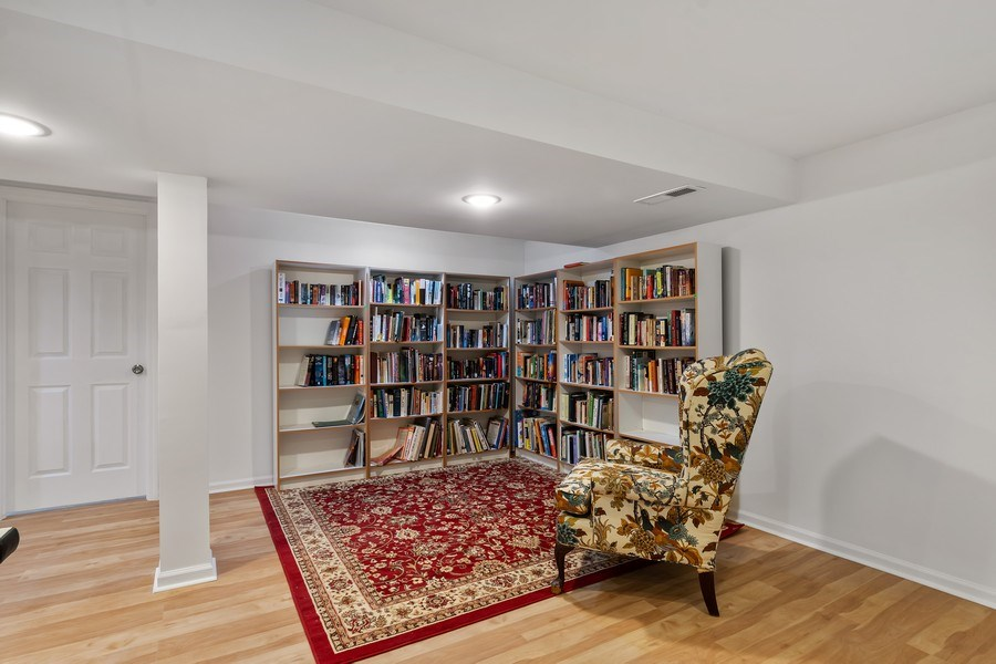 Real Estate Photography - 128 Lincolnwood Ave, Highland Park, IL, 60035 - Reading nook - Basement