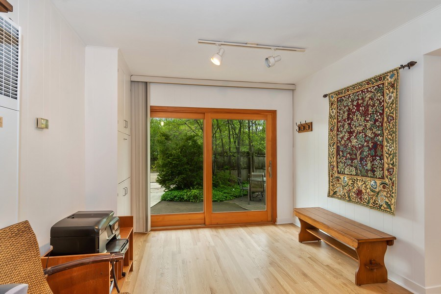 Real Estate Photography - 128 Lincolnwood Ave, Highland Park, IL, 60035 - Family Room