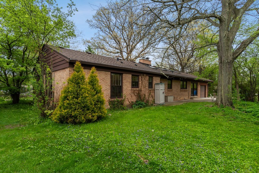 Real Estate Photography - 128 Lincolnwood Ave, Highland Park, IL, 60035 - Rear View