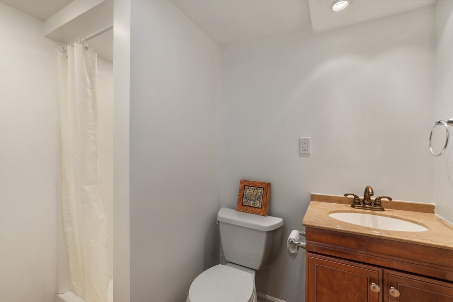 Real Estate Photography - 128 Lincolnwood Ave, Highland Park, IL, 60035 - 2nd Bathroom