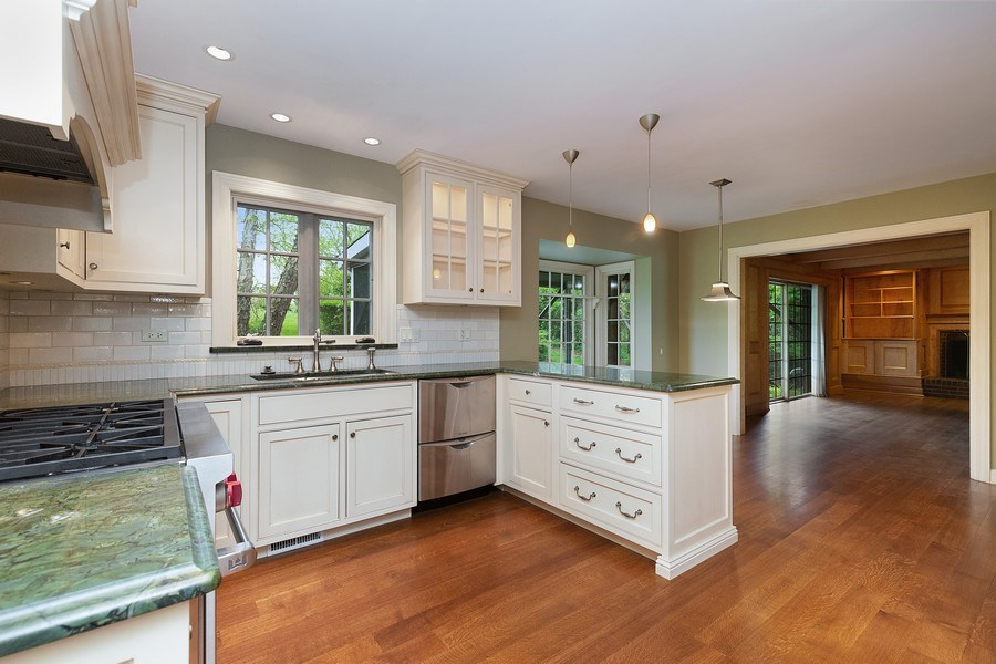 Real Estate Photography - 80 Watergate Drive, South Barrington, IL, 60010 - Kitchen