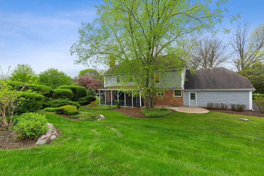 Real Estate Photography - 80 Watergate Drive, South Barrington, IL, 60010 - Rear View