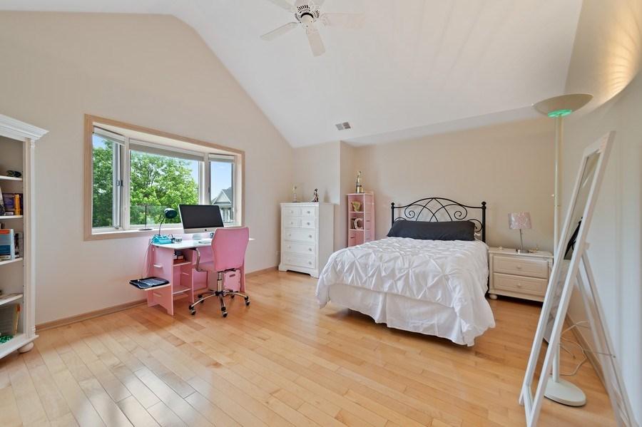 Real Estate Photography - 6705 Fieldstone Drive, Burr Ridge, IL, 60527 - Bedroom