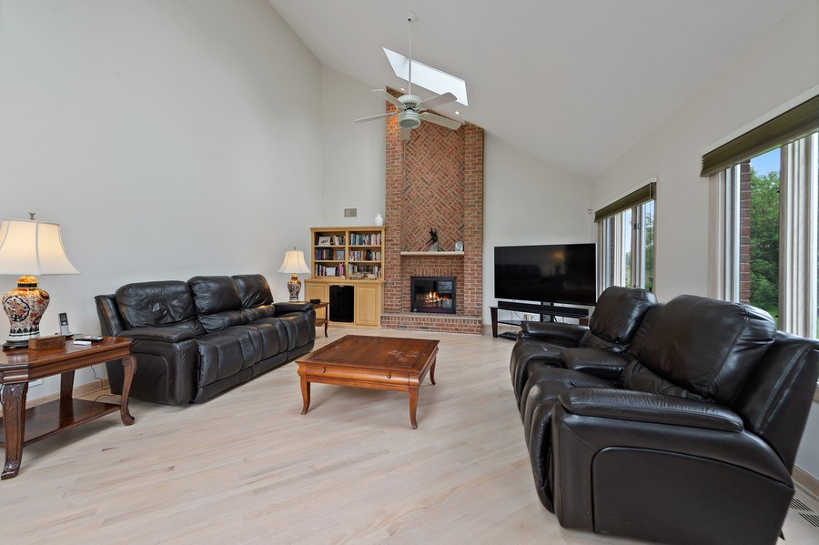 Real Estate Photography - 6705 Fieldstone Drive, Burr Ridge, IL, 60527 - Family Room