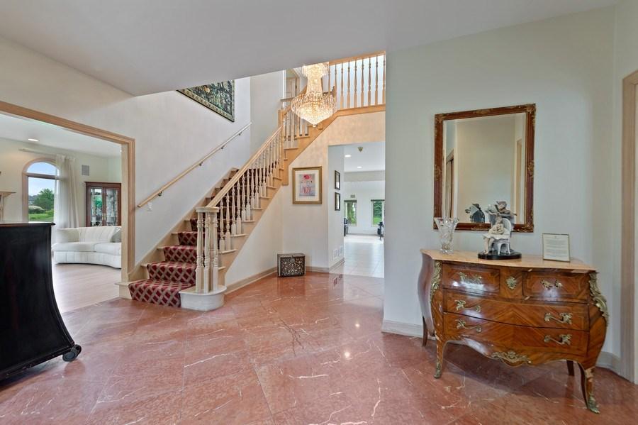Real Estate Photography - 6705 Fieldstone Drive, Burr Ridge, IL, 60527 - Foyer