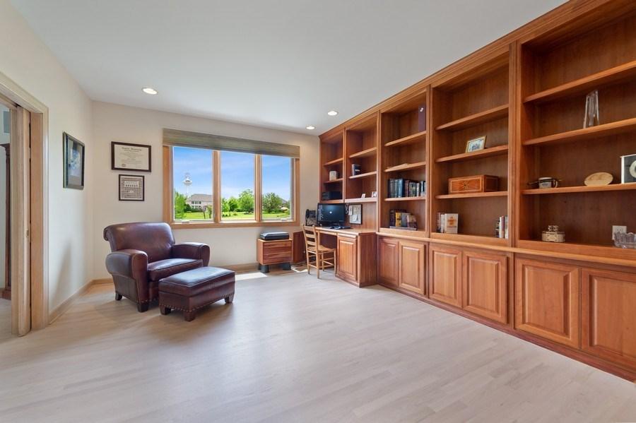Real Estate Photography - 6705 Fieldstone Drive, Burr Ridge, IL, 60527 - Library