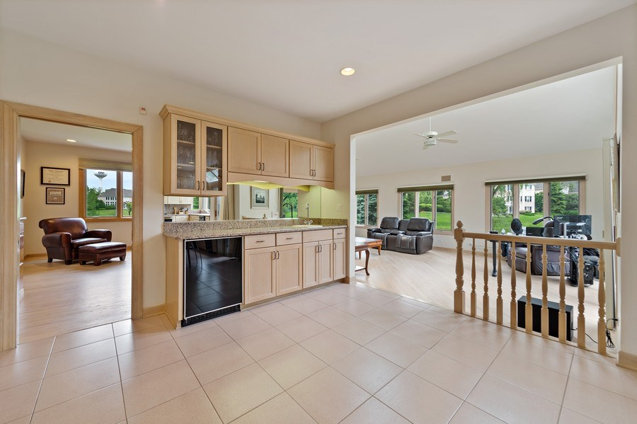 Real Estate Photography - 6705 Fieldstone Drive, Burr Ridge, IL, 60527 - Family Room / Kitchen