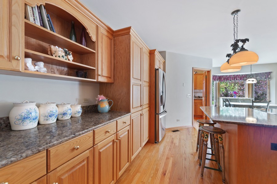 Real Estate Photography - 810 Dunham Drive, West Chicago, IL, 60185 - Kitchen
