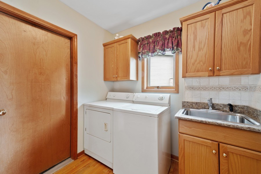 Real Estate Photography - 810 Dunham Drive, West Chicago, IL, 60185 - Laundry Room