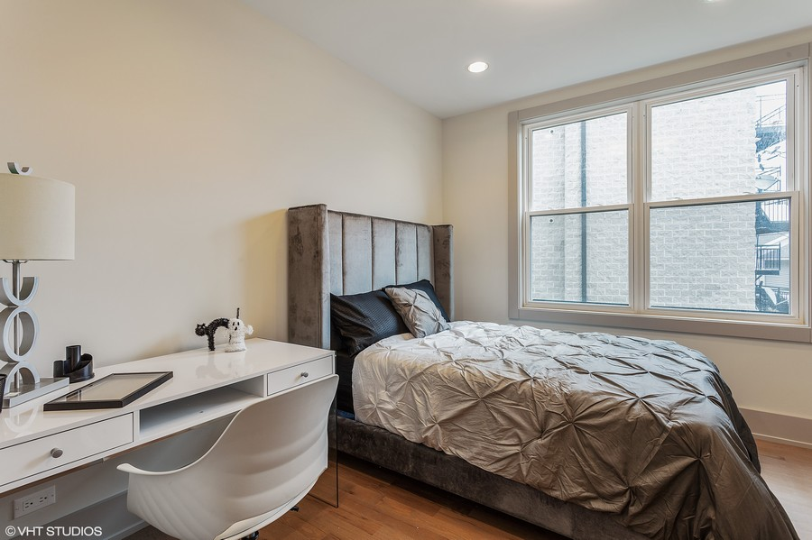 Real Estate Photography - 1209 East 46th Street, SIMPLEX, Chicago, IL, 60653 -