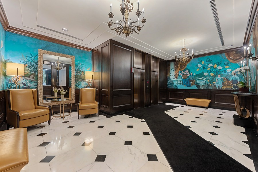 Real Estate Photography - 100 E. Bellevue Place #11D, Chicago, IL, 60611 - Lobby