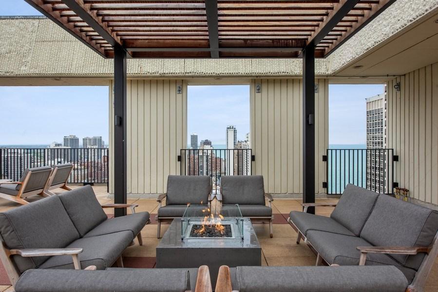 Real Estate Photography - 100 E. Bellevue Place #11D, Chicago, IL, 60611 - Common Sundeck
