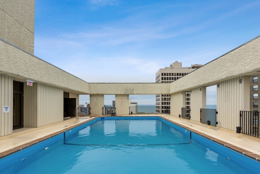 Real Estate Photography - 100 E. Bellevue Place #11D, Chicago, IL, 60611 - Pool