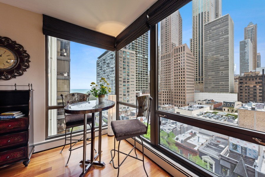 Real Estate Photography - 100 E. Bellevue Place #11D, Chicago, IL, 60611 - Dining Area
