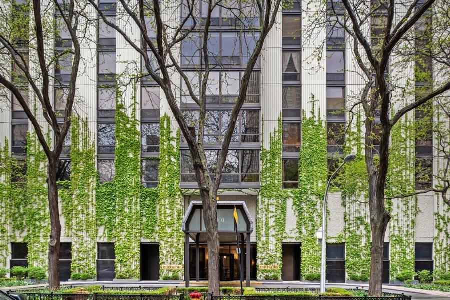 Real Estate Photography - 100 E. Bellevue Place #11D, Chicago, IL, 60611 - Front View