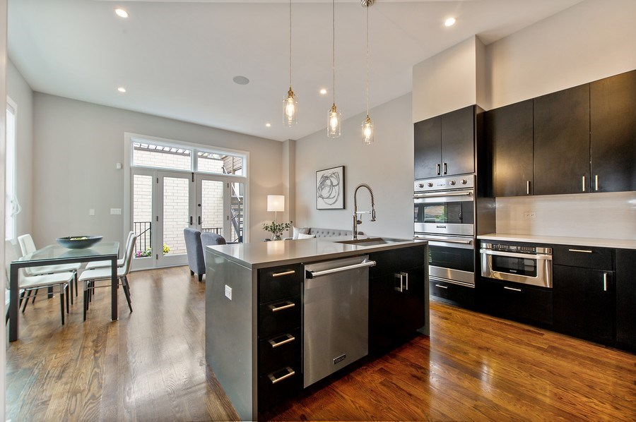 Real Estate Photography - 2033 W. Cortland, Chicago, IL, 60647 - Kitchen