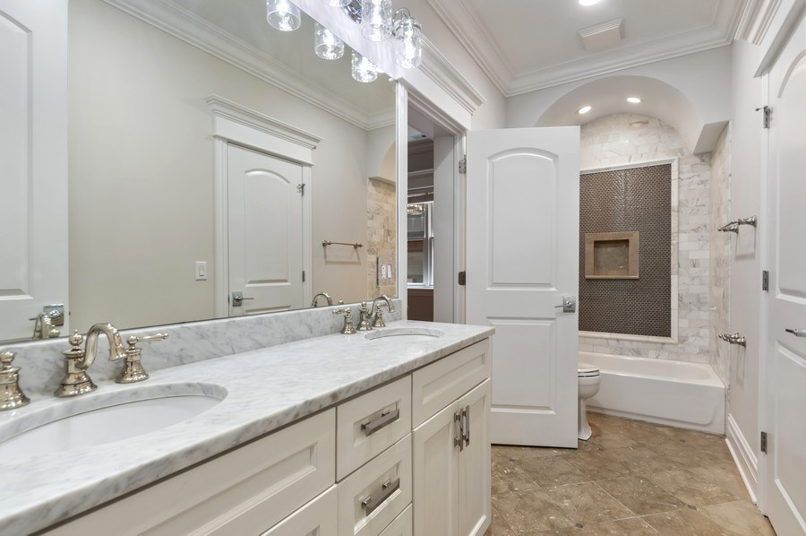 Real Estate Photography - 3935 N Western Ave Unit 3N, Chicago, IL, 60618 - 2nd Bathroom