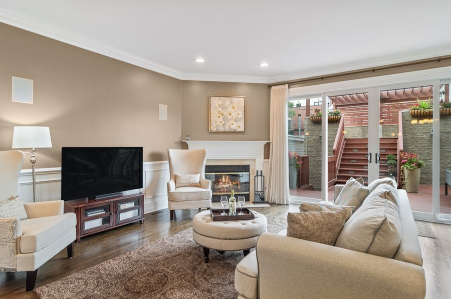 Real Estate Photography - 2514 N Greenview, Chicago, IL, 60614 - Family Room