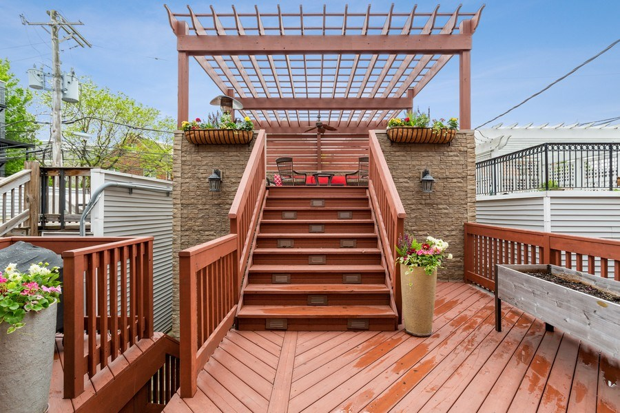 Real Estate Photography - 2514 N Greenview, Chicago, IL, 60614 - Deck