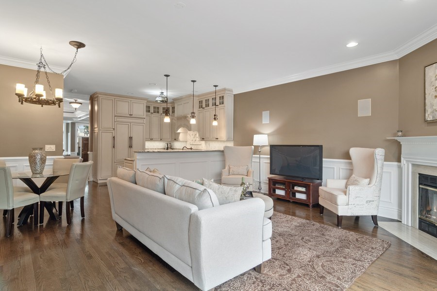 Real Estate Photography - 2514 N Greenview, Chicago, IL, 60614 - Family Room / Kitchen
